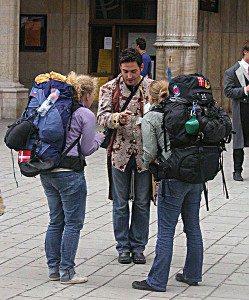 498px-Urban_backpacking-KF at English Wikipedia